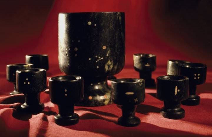 In Ecuador, one large Jade cup and 12 smaller Jade cups were found. Each of the smaller cups are a little bit different in size, but if you were to fill each one and pour them into the larger one, the contents would exactly fill the larger cup. The large cup has a perfect inlaid star constellation, showing Orion and other stars.