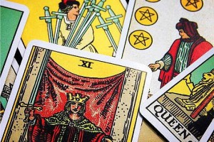 3 Easy Tarot Card Spreads