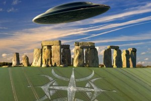 Stonehenge Attracts UFO And Crop Circle