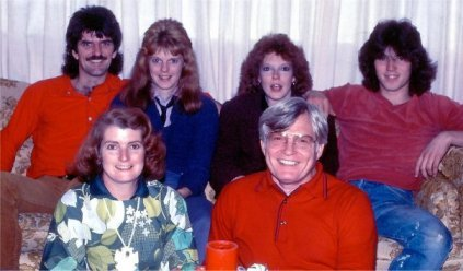 1983: My parents in the front; in the back: David, Lola, Tara and me
