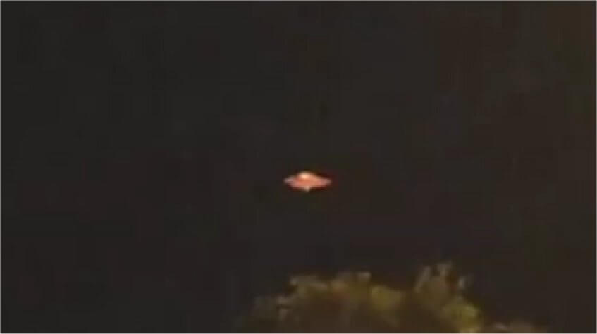 Flashing Orange UFO Filmed In Melbourne, Australia
